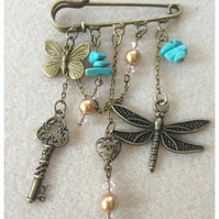 Steampunk Kilt Pin-Key, Dragonfly and Butterfly Charms