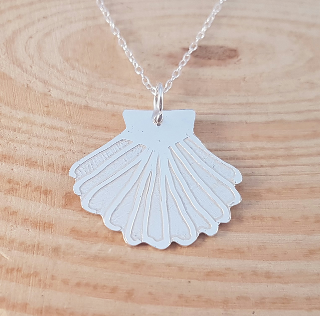 Sterling Silver Etched Shell Necklace