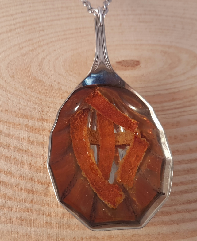 Upcycled Silver Plated Fluted Spoon with Orange Peel in Resin SPN071707