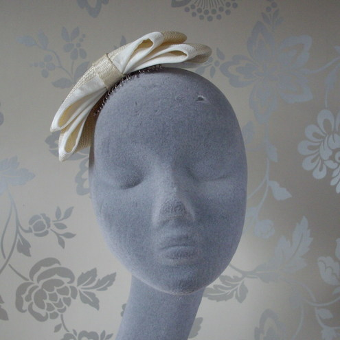 Ivory Bridal Bow Fascinator in Straw