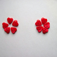 Heart buttons, red