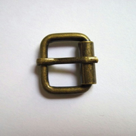 "Buckle, antique brass, 0.6"" wide"