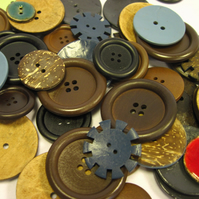 100g mixed buttons, button cocktail, wood and coconut shell