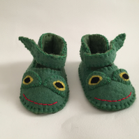 Hand felted frog baby booties