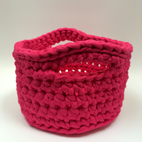 Crochet basket - hot pink