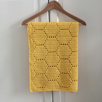 Honeycomb baby blanket
