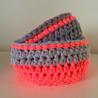 Set of 2 crochet baskets - neon pink and grey