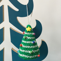 Crochet hanging tree decoration - green