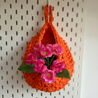 Small crochet hanging basket - orange