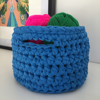 Crochet basket made with upcycled tshirt yarn - Mediterranean blue