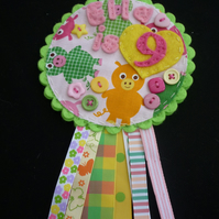 Birthday badge-Rosette Pig
