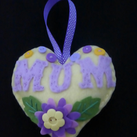 Mum Heart Door hanger