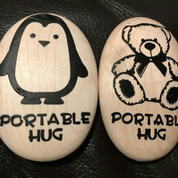 Portable Hug Pebble - Wooden - Large Size - Teddy and Penguin design