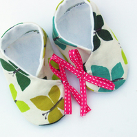 Baby/toddler shoes/booties, kimono style, beautiful butterflies