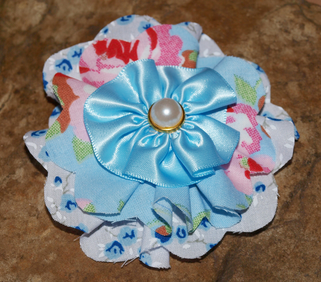 Pretty Fabric Flower Brooch. Shabby Chic, Vintage Style. Blue. Unique.