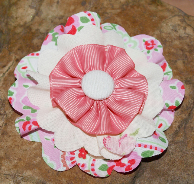 Pretty Fabric Flower Brooch. Shabby Chic, Vintage Style. Pink. Unique.