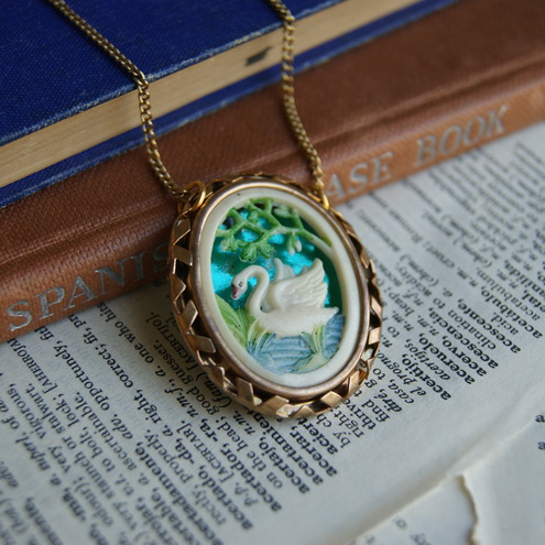 Keep Swimming, vintage swan necklace