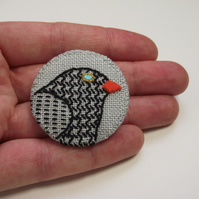 Blackbird Birdseeker Linen Badge