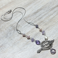Elegant reworked vintage necklace in silver and amethyst
