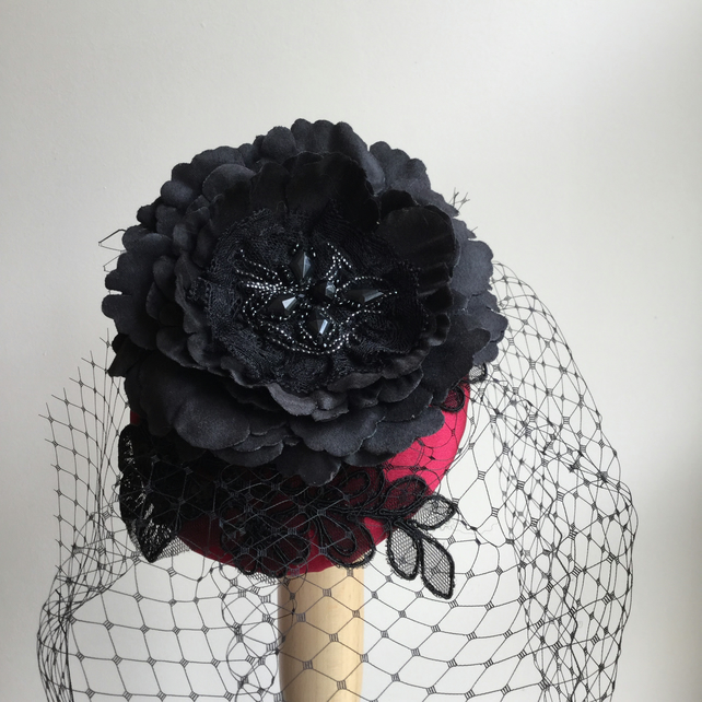 Red and black veiled cocktail hat, fascinator, burlesque, wedding, handmade.