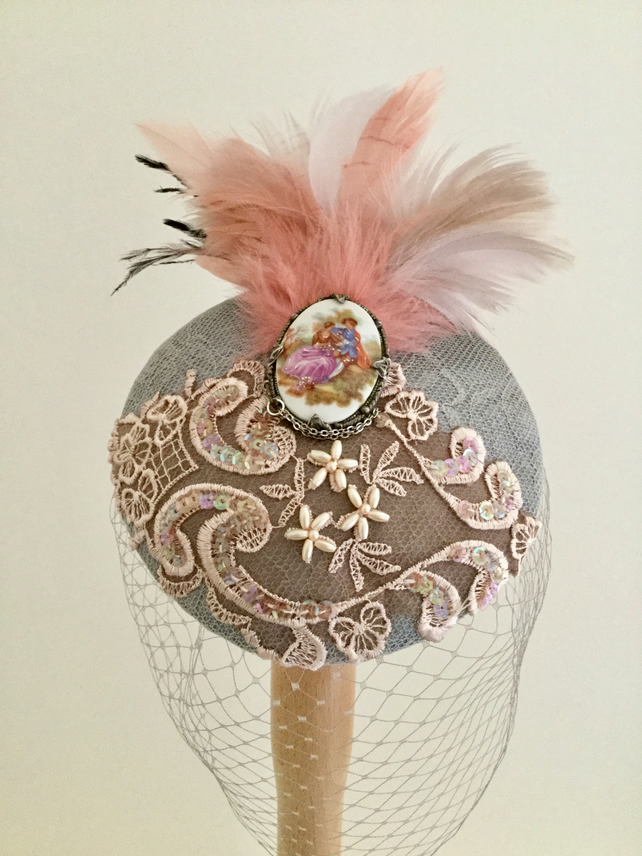 Grey and nude pink cocktail hat.