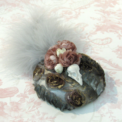 Faded Roses, Sparrow Skull Fascinator