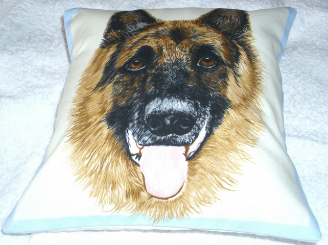 Portrait picture of a German Shepherd Dog facing forward cushion,