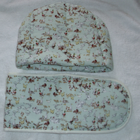 In the Wild Ducks, swans and Geese Tea cosy and oven glove set