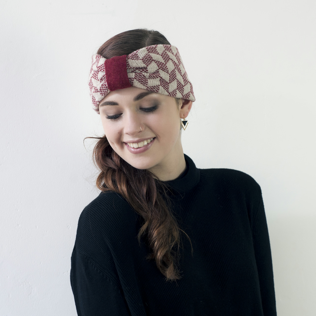 Chevron knitted headband - red and linen
