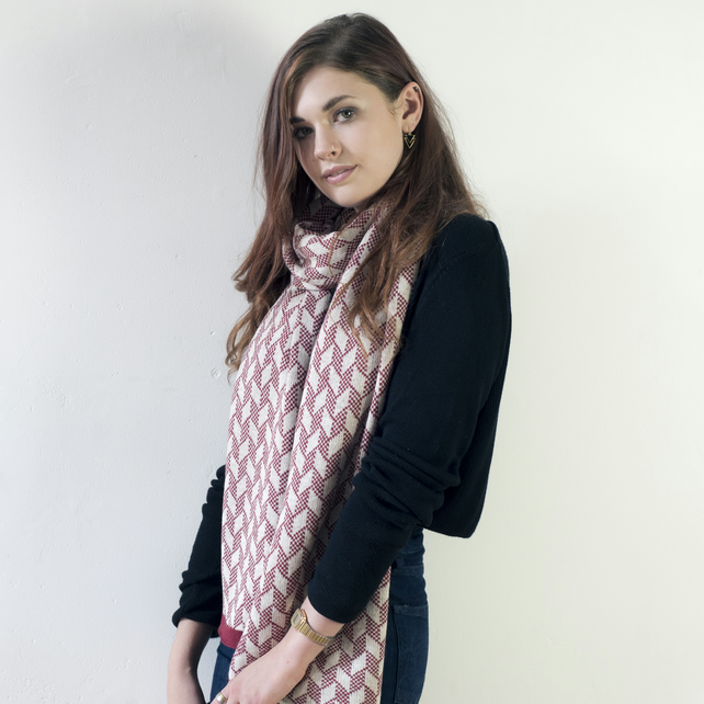 Lambswool knitted chevron scarf - magma and linen