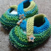 Multi blue and green baby pre-shoes (bootees) in merino wool, FREE UK POSTAGE