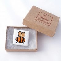 Bee Brooch Badge, Bee Pin, Gifts for Mum, For Her, Gift for Girls
