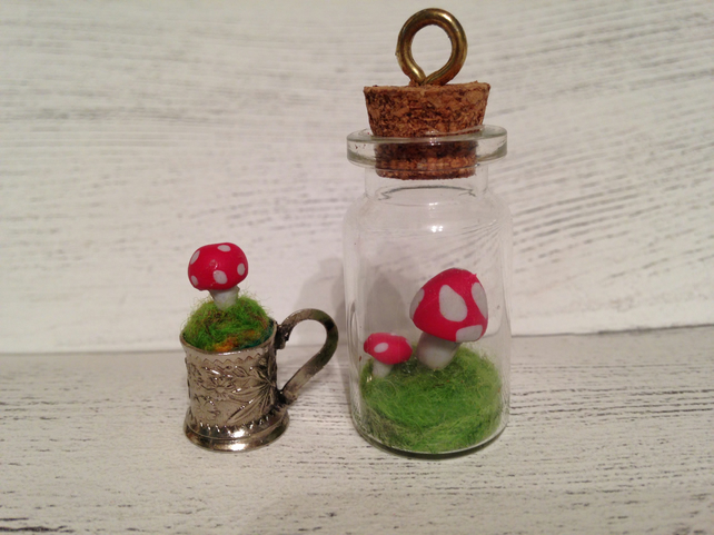Toadstool fairy garden accessories