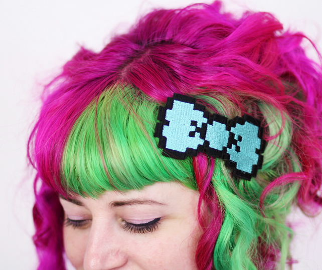 8 Bit Bow Hair Clip, Pixel Bow, Turquoise