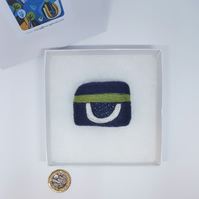 needlefelted textile brooch
