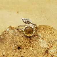 Adjustable Citrine leaf Ring. November birthstone. Reiki jewellery