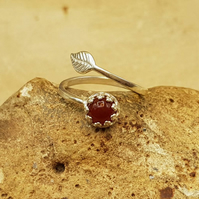 Carnelian leaf ring. 925 sterling silver rings for women. July birthstone