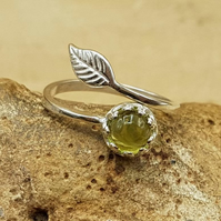 Peridot leaf ring. Green August birthstone. Reiki Charged