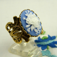 Vintage Style Wedgwood Blue Floral Cameo Ring