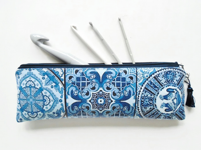 Artist brush holder, pencil case, crochet hook storage and make-up brush bag.