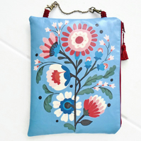 Waterproof Folk Print Hanging Storage Bag