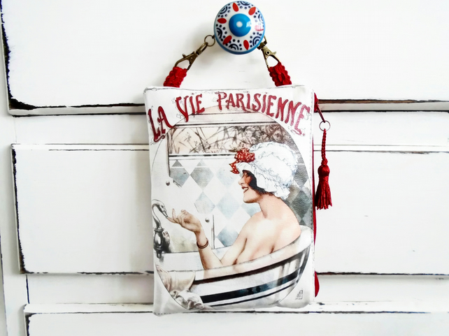 Waterproof French print hanging storage pouch