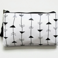 Waterproof Arrows Print Purse