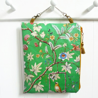 Chinoiserie Green Waterproof Hanging Cosmetic Bag