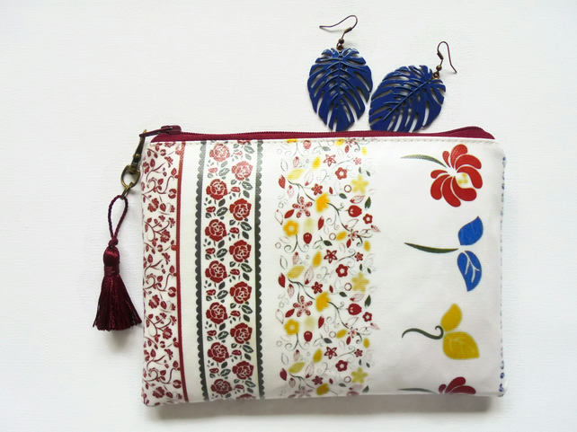 Waterproof Folky Purse with credit card Holder Pockets.