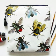 Waterproof Large square bag, queen bee, bumble bee, vintage bee species, travel