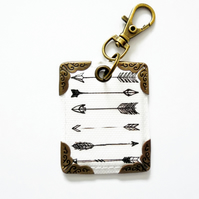 keyring, bag charm, purse charm, key tag, monochrome arrows.