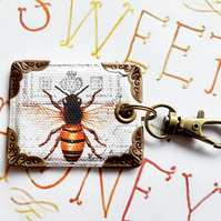 bumble bee keyring,bag charm, purse charm,bag tag,bag accessory,key chain,