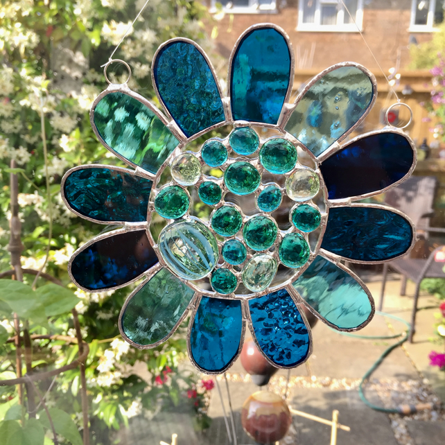 Stained Glass Bead Daisy Suncatcher - Handmade Window Decoration - Turquoise