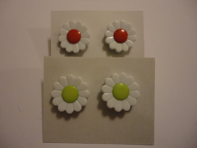 Red & Green Daisy Earrings